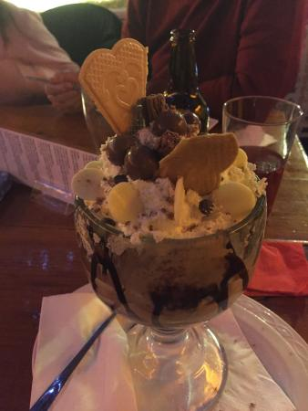 Ski-Ing Doo Restaurant : Great dessert