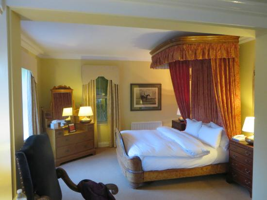 Dunraven Arms Hotel: Our lovely suite