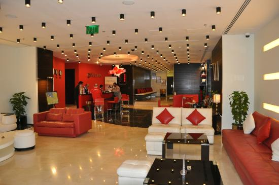 Ramada Encore Doha : Lobby and reception