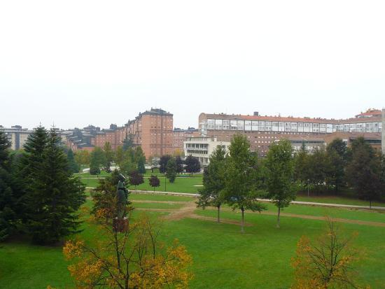 Abba Reino de Navarra Hotel: Vistas al parque Yamaguchi