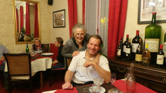 Castelfranc, Francia: Near the end of a great dinner