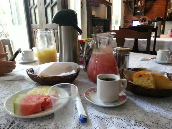 Meson Pousada : завтрак