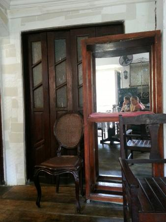 Meson Pousada : мебель. .. вся ... неподъемная..