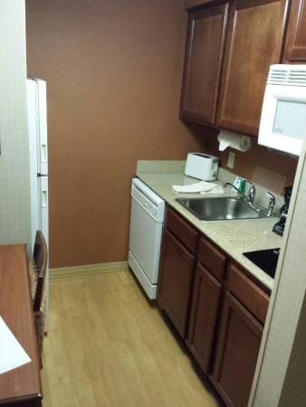 Homewood Suites by Hilton Columbia : Kitchen (November 2014)