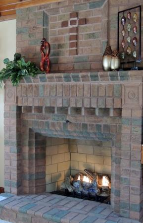 Donna's Premier Lodging: Chalet Fireplace