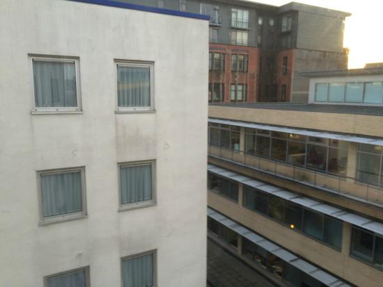 Holiday Inn Express Glasgow City Centre - Theatreland: View from our room