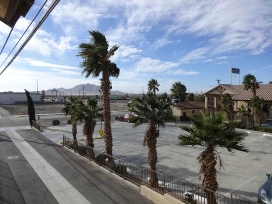 Best Western Desert Winds: The view from the door to our room - windy!