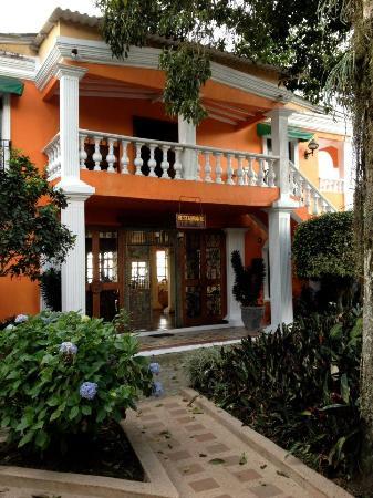 Hotel Campestre El Eden Country Inn : entrance to the restaurant