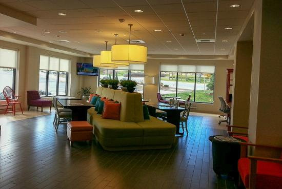 Home2 Suites by Hilton Denver West - Federal Center: Lobby