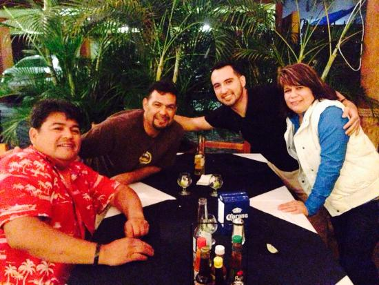 Mariscos 8 Tostadas Nuevo Vallarta: Had a wonderful time with my dad and two uncles.