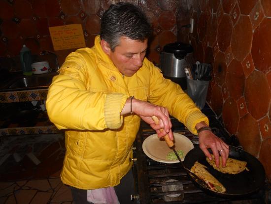 """Planet Hostel: Gerardo, """"Gerente-Chef""""- excelente"""