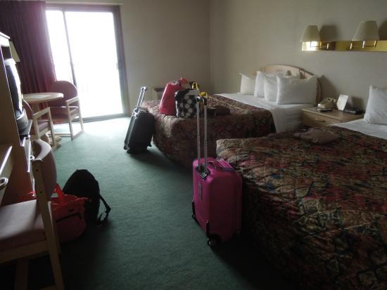 Bavarian Haus Lakefront Inn: Main Bedroom