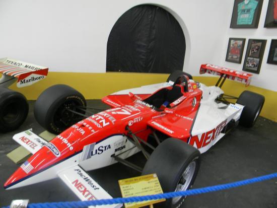 The Automobile Museum: museu