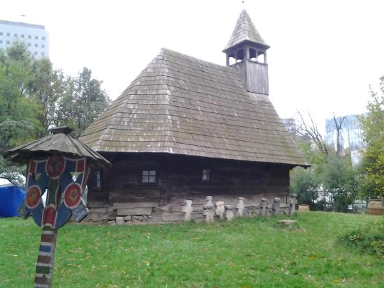 Peasant Museum (Muzeul Taranului Roman): Real wooden church outdoors