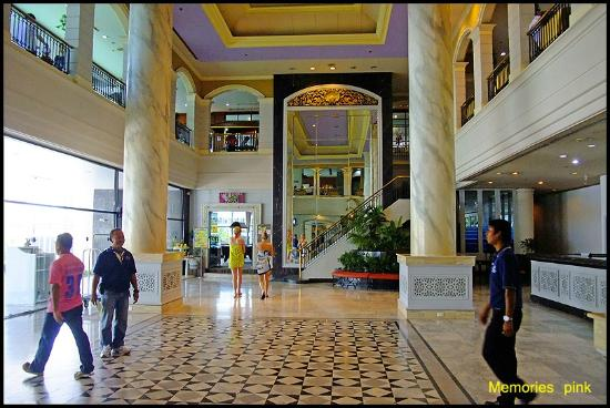 Metropole Hotel Phuket: โถงล็อบบี้