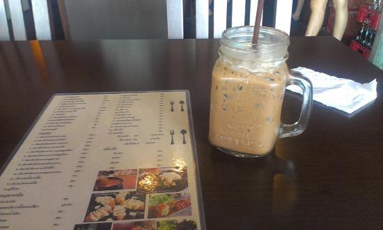 THE YEZS CAFE's