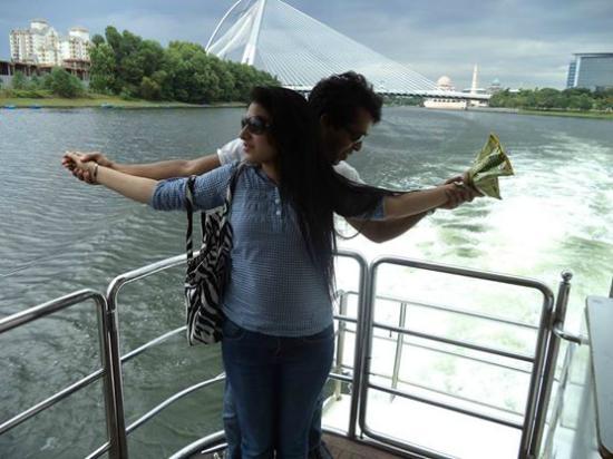Putrajaya Lake : Titanic !