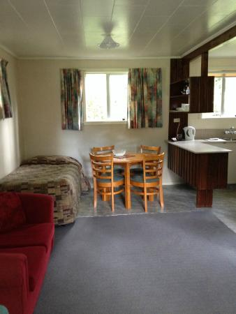 Greenacres Chalets And Apartments: Dining/Lounge