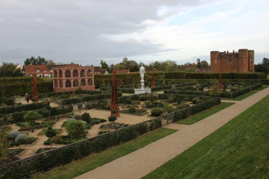 Kenilworth United Kingdom  city images : gardens Picture of Kenilworth Castle, Kenilworth TripAdvisor