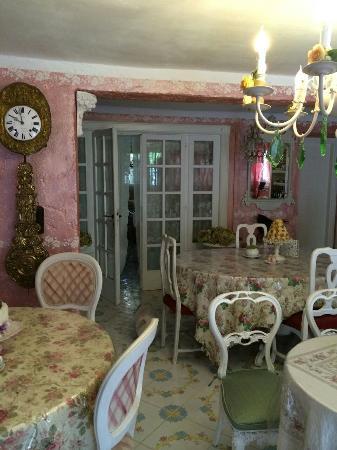 B&B Della Mimosa: Ingresso/sala colazione