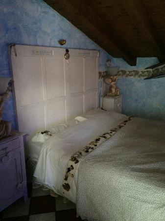 B&B Della Mimosa: La camera in mansarda