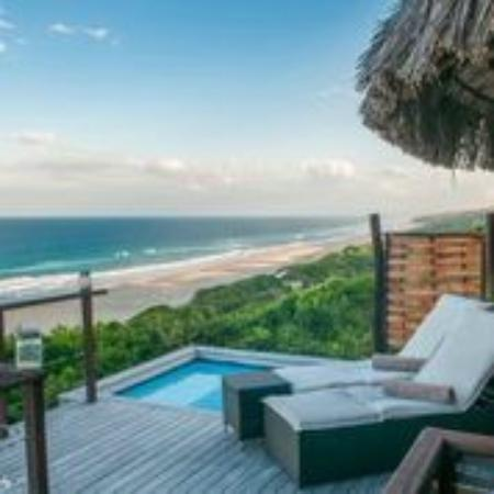 Massinga Beach Lodge: Ocean Front Deluxe Room with Private Deck and Splash Pool