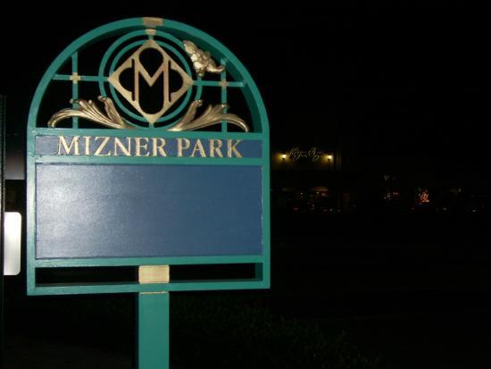 Mizner Park: Mizner Sign