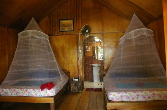 White Beach Bungalows Room