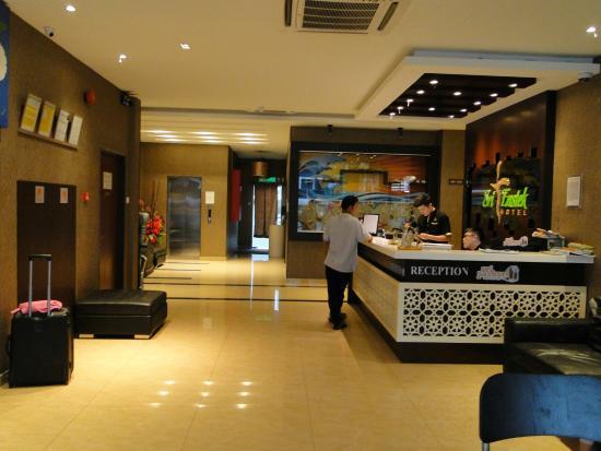Sri Enstek Hotel : Rezeption