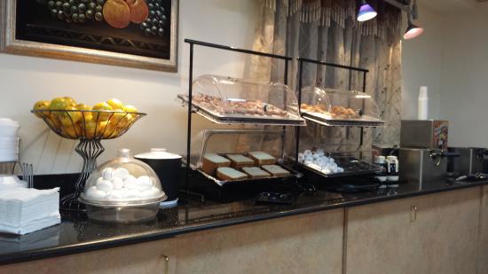 Americas Best Value Inn: Prima ontbijt