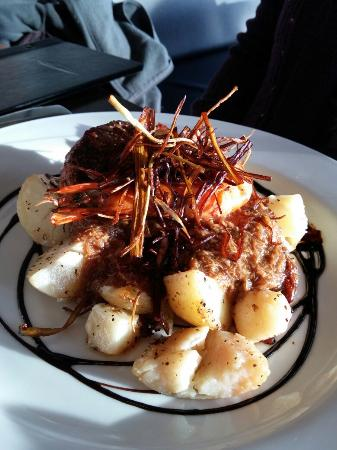 Waterside Restaurant & Bar: Surf n turf