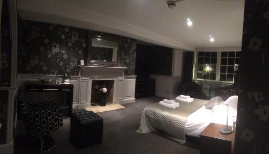 Bell Hotel: Room 3