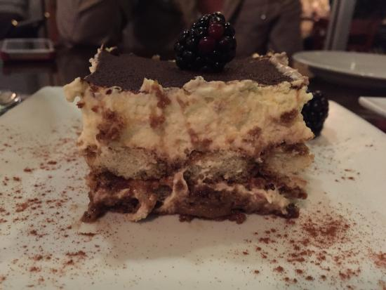 Casa di Pepe: Side view tiramisu