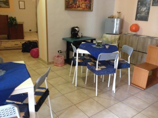Albatro Rooms: Saletta colazione