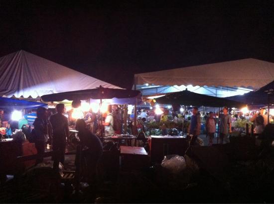 Night Market, Kota Kinabalu : Improved conditions