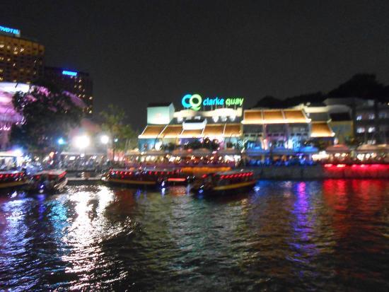 Indochine Waterfront Restaurant: vista dai tavoli