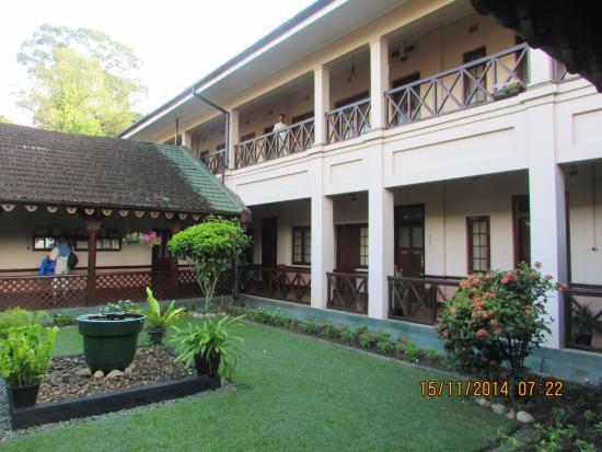 Bandarawela Hotel: View of main building
