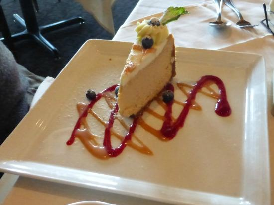 Christopher's World Grill: Cheesecake