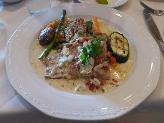 Christopher's World Grill: Zihuatanejo Snapper