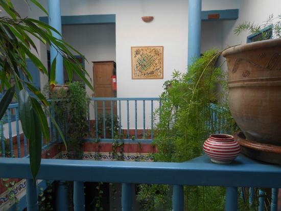 Hotel Les Matins Bleus: Le premier étage du patio (2 suites et 2 chambres)