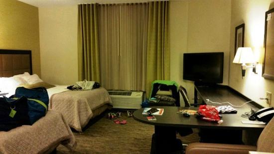 Candlewood Suites Alexandria - Fort Belvoir: Candlewood Suites Alexandria: Our suite after 3 nights...
