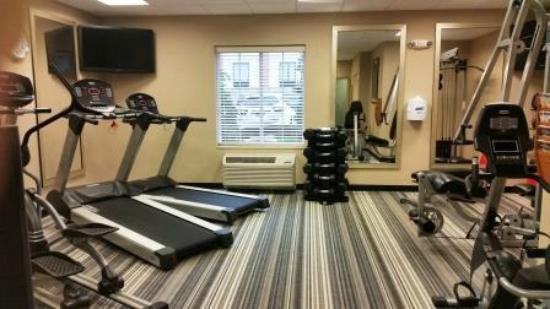 Candlewood Suites Alexandria - Fort Belvoir : Candlewood Suites Alexandria: Gym