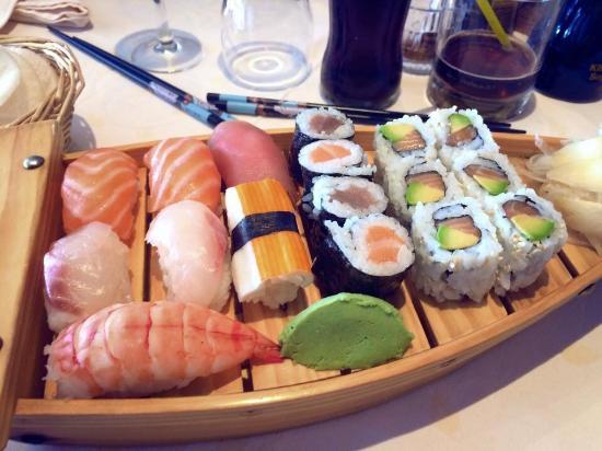 Osaka : Pagode de sushis