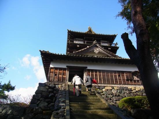 Maruoka Castle: 天守への入口階段