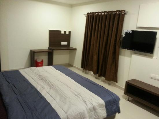 Shiv Hotel: All New Suit  A/C  Room