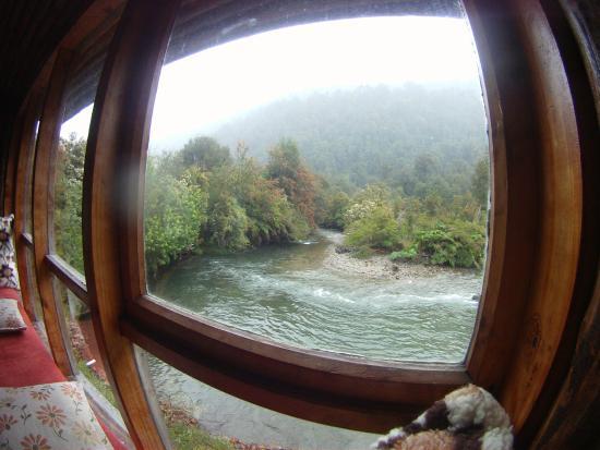 Termas Rio Amarillo Lodge: vista a rio vuelta y vuelta desde la suite