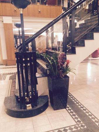 Crowne Plaza Leeds: Lobby
