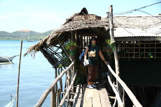 Krystal Lodge: Entrée des Cabanons sur Pilotis ( 2011 )