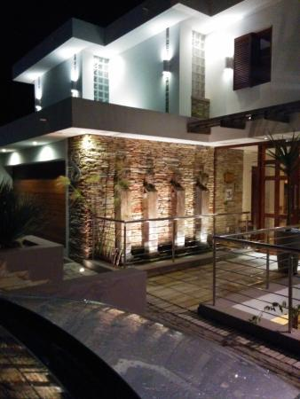 Aquavit Guest House: impressive entrance