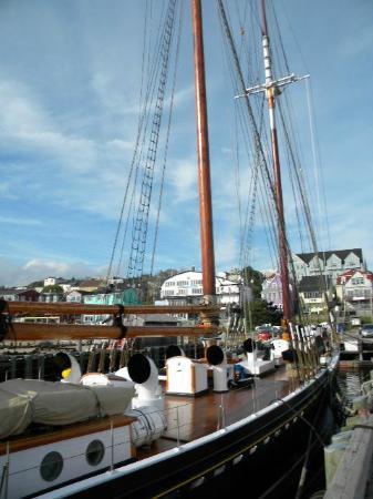 The Dockside Inn & Restaurant: harbor view of Bluenose II